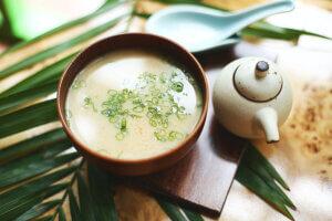 Mit einer warmen Suppe am Tag kommen Sie fit durch die Erkältungszeit.